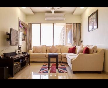 Gallery Cover Image of 1055 Sq.ft 2 BHK Apartment for buy in Malad West for 24000000