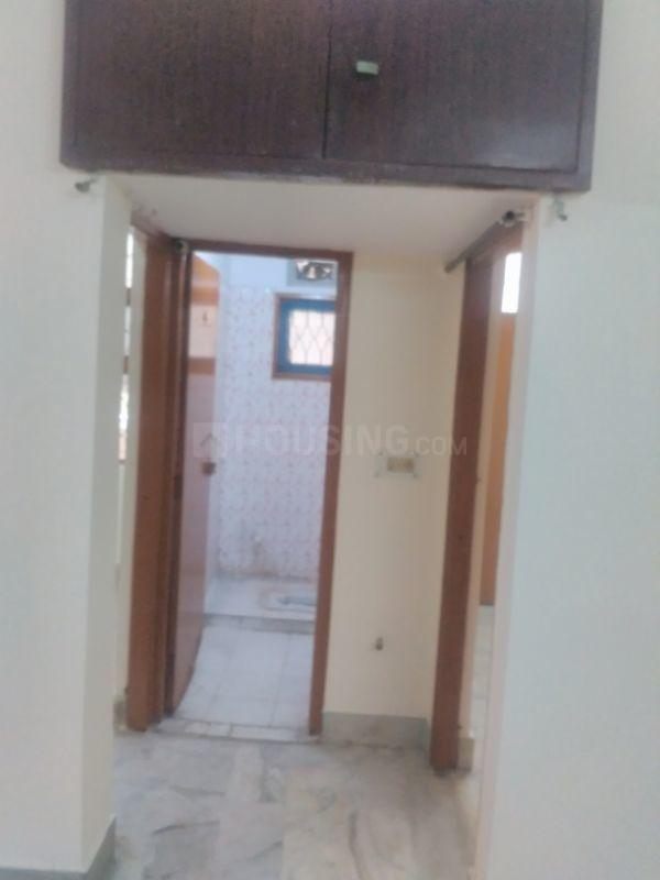 Passage Image of 1000 Sq.ft 2 BHK Apartment for rent in Shalimar Garden for 8000