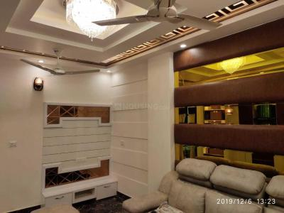 Gallery Cover Image of 770 Sq.ft 3 BHK Independent Floor for buy in Dwarka Mor for 4200000