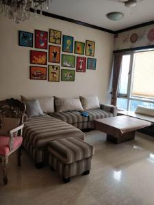 Gallery Cover Image of 1850 Sq.ft 3 BHK Apartment for rent in Jacob Circle for 275000