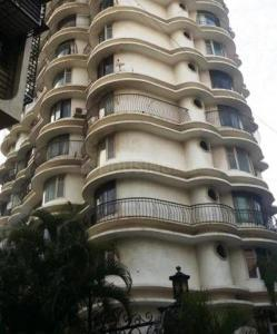 Gallery Cover Image of 1000 Sq.ft 2 BHK Apartment for rent in Worli for 100000
