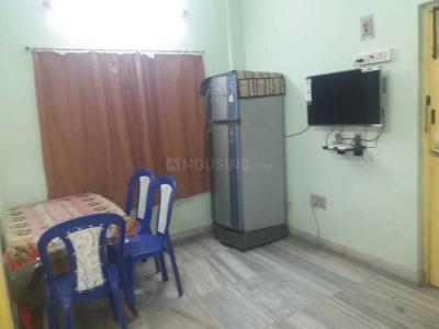 Gallery Cover Image of 625 Sq.ft 2 BHK Apartment for rent in Jadavpur for 20000