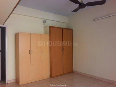 Gallery Cover Image of 1600 Sq.ft 3 BHK Apartment for rent in Sri Sai Ram Apartment, Adyar for 31000