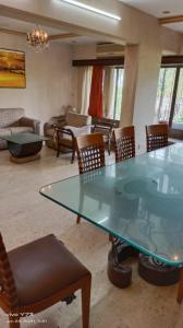 Gallery Cover Image of 2000 Sq.ft 4 BHK Apartment for buy in Milton Apartments, Juhu for 60000000
