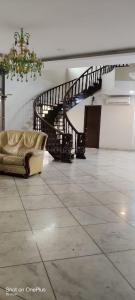 Gallery Cover Image of 5000 Sq.ft 5 BHK Apartment for rent in Banjara Hills for 170000