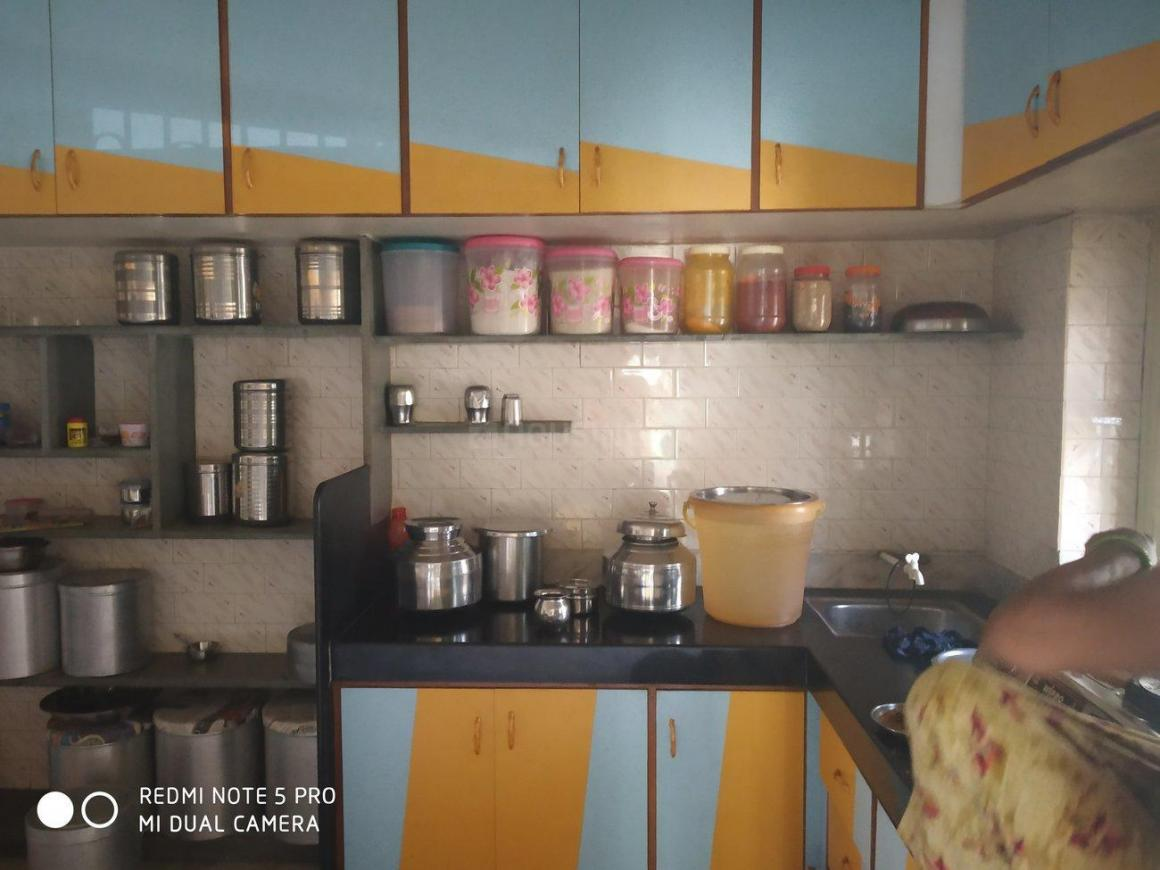 Kitchen Image of 1500 Sq.ft 2 BHK Independent House for rent in Motera for 15000
