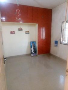 Gallery Cover Image of 847 Sq.ft 2 BHK Apartment for rent in Jaiganesh Flats, Nanmangalam for 12000