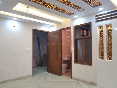 Gallery Cover Image of 750 Sq.ft 2 BHK Apartment for buy in Najafgarh for 2300000