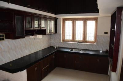 Gallery Cover Image of 1700 Sq.ft 3 BHK Independent House for buy in Karaparamba for 8000000