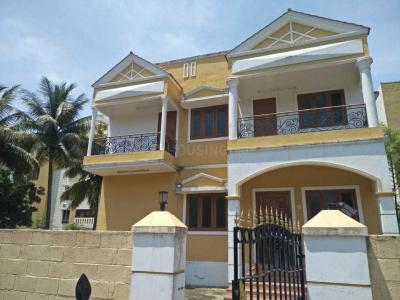 Gallery Cover Image of 4500 Sq.ft 7 BHK Independent House for rent in Kelambakkam for 3000