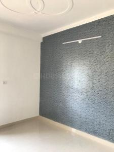 Gallery Cover Image of 850 Sq.ft 2 BHK Apartment for buy in KM Apartments, DLF Ankur Vihar for 1575000