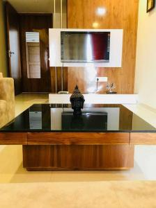 Gallery Cover Image of 1800 Sq.ft 3 BHK Apartment for rent in Gurukul for 50000