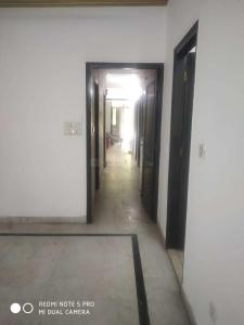 Gallery Cover Image of 1700 Sq.ft 3 BHK Independent Floor for rent in Nizamuddin West for 50000