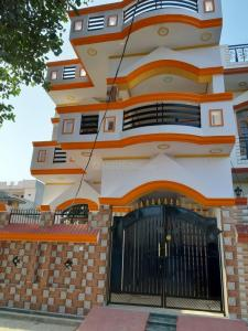 Gallery Cover Image of 1200 Sq.ft 3 BHK Independent House for buy in Indira Nagar for 4200000