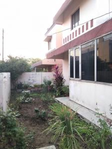 Gallery Cover Image of 2400 Sq.ft 3 BHK Villa for buy in Smriti Nagar for 9000000