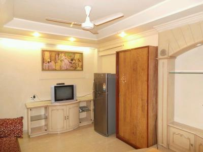 Gallery Cover Image of 600 Sq.ft 1 BHK Apartment for rent in Ghatkopar West for 35000