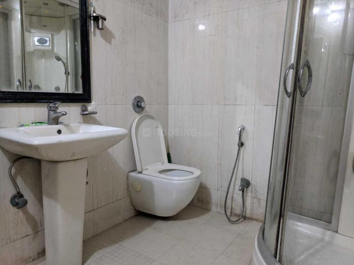 मायगेस्ट1 इन शिप्रा सनसिटी के बाथरूम की तस्वीर