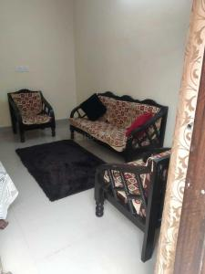 Gallery Cover Image of 750 Sq.ft 2 BHK Apartment for rent in Vasant Kunj for 16000
