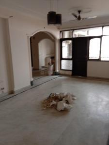 Gallery Cover Image of 1700 Sq.ft 4 BHK Apartment for rent in Sector 6 Dwarka for 28000