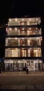 Gallery Cover Image of 3200 Sq.ft 4 BHK Independent Floor for buy in Sushant Lok I for 30000000