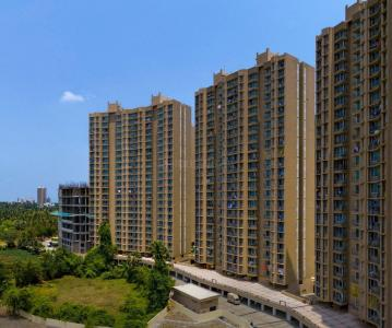 Gallery Cover Image of 790 Sq.ft 2 BHK Apartment for buy in Malad West for 13100000