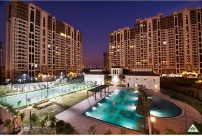 Gallery Cover Image of 1900 Sq.ft 3 BHK Apartment for rent in DLF New Town Heights 2, Sector 86 for 18000