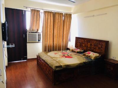 Gallery Cover Image of 2650 Sq.ft 4 BHK Apartment for rent in Satguru Apartment, Sector 52 for 60000