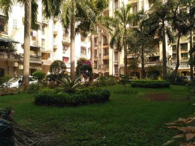 Gallery Cover Image of 1350 Sq.ft 3 BHK Apartment for rent in Kandivali East for 43000