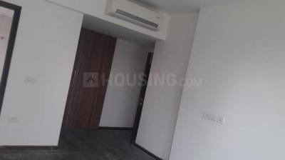 Gallery Cover Image of 2000 Sq.ft 3 BHK Apartment for rent in Sector 83 for 18500