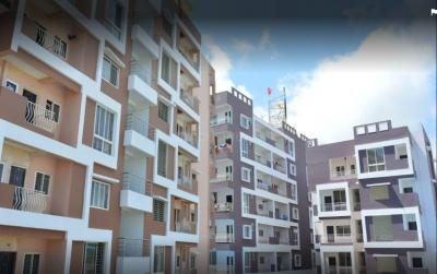 Gallery Cover Image of 1350 Sq.ft 3 BHK Apartment for rent in Baghmugalia for 12000