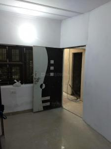 Gallery Cover Image of 400 Sq.ft 1 RK Independent Floor for rent in Sector 21 for 6000