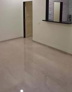 Gallery Cover Image of 350 Sq.ft 1 RK Apartment for rent in Khar West for 45000