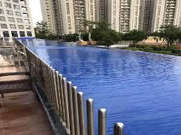 Gallery Cover Image of 1250 Sq.ft 2 BHK Apartment for rent in Amanora Future Towers, Hadapsar for 30000