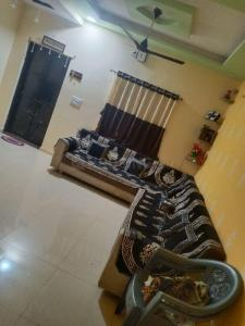Gallery Cover Image of 1080 Sq.ft 2 BHK Independent House for buy in Hathijan for 5100000