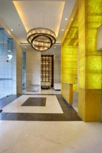 Gallery Cover Image of 1850 Sq.ft 3 BHK Apartment for rent in Mahagun Moderne, Sector 78 for 28000