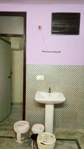 Gallery Cover Image of 450 Sq.ft 2 BHK Independent Floor for rent in New Ashok Nagar for 12000