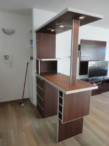 Gallery Cover Image of 1065 Sq.ft 2 BHK Apartment for rent in Velachery for 17500