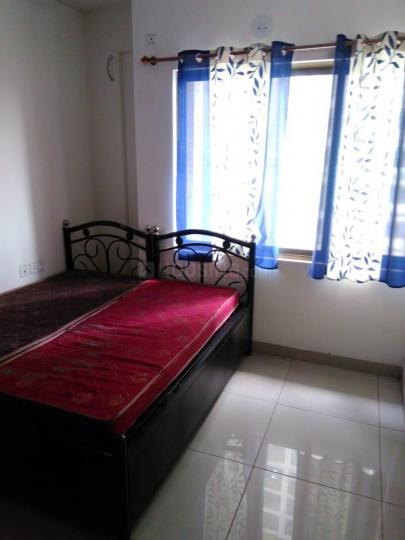 खारघर में रविंदर के बेडरूम की तस्वीर