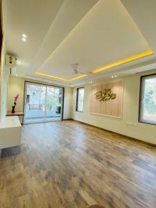 Gallery Cover Image of 4518 Sq.ft 4 BHK Independent Floor for buy in Unitech South City II, Sector 49 for 25000000