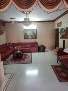 Gallery Cover Image of 2575 Sq.ft 3 BHK Apartment for buy in Banjara Hills for 24000000
