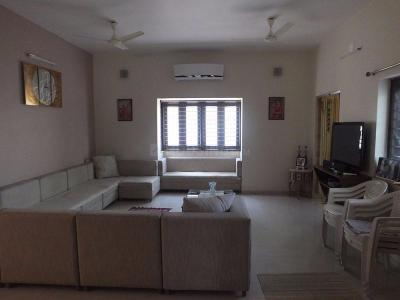 Gallery Cover Image of 6525 Sq.ft 5 BHK Villa for buy in Shilaj for 35000000