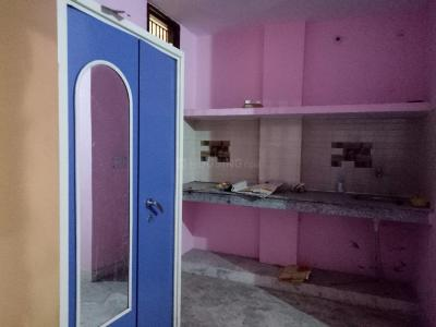 Gallery Cover Image of 210 Sq.ft 1 RK Independent Floor for rent in Sector 44 for 6000
