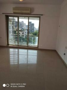 Gallery Cover Image of 2000 Sq.ft 4 BHK Apartment for rent in Santacruz West for 180000