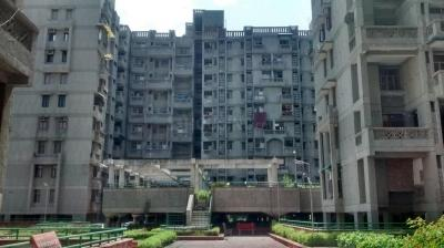 Gallery Cover Image of 1500 Sq.ft 3 BHK Apartment for rent in Sector 18 Dwarka for 27000