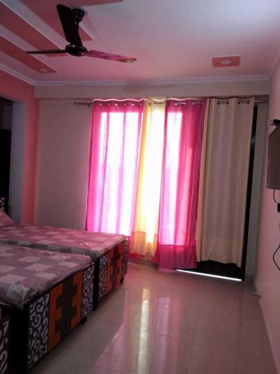 गर्ल्स पीजी इन सेक्टर 44 के बेडरूम की तस्वीर