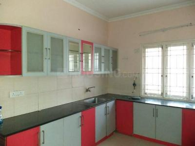 Gallery Cover Image of 1300 Sq.ft 2 BHK Apartment for rent in Kartik Nagar for 20000