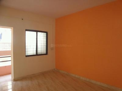Gallery Cover Image of 750 Sq.ft 2 BHK Apartment for rent in Kharadi for 12000