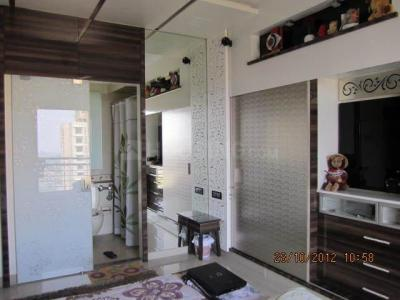 Gallery Cover Image of 1200 Sq.ft 2 BHK Apartment for rent in Malad East for 52000