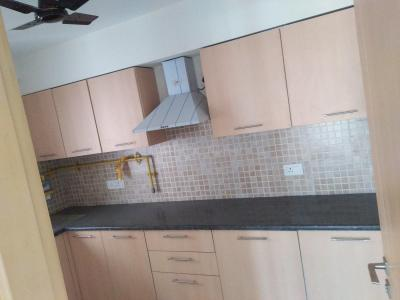 Gallery Cover Image of 2150 Sq.ft 3 BHK Apartment for rent in Jaypee Spa Court, Jaypee Greens for 30000