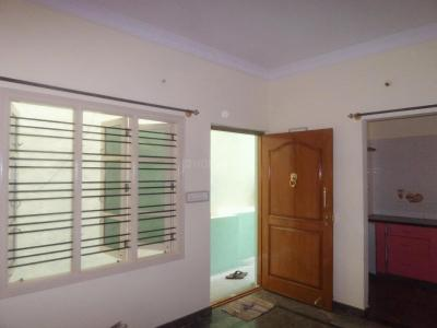 Gallery Cover Image of 600 Sq.ft 2 BHK Independent Floor for rent in Hosakerehalli for 9000